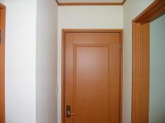 2階寝室入り口ドア