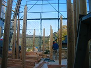 上棟、柱組み付け開始