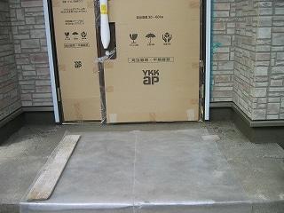 玄関の下地も完成。